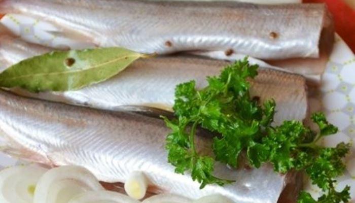Подготовленная к копчению рыба