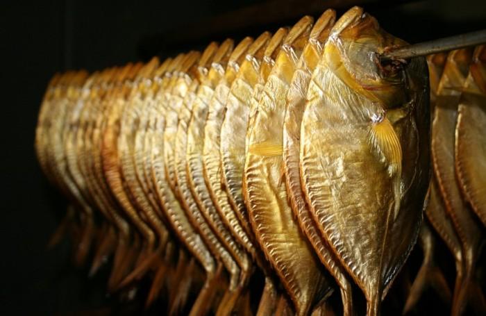 Процесс холодного копчения рыбы