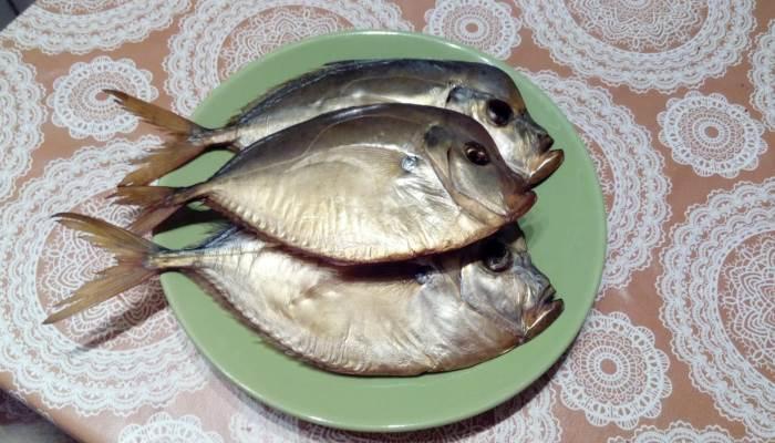 Интересная рыбка на тарелке
