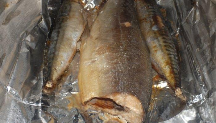 Рыбка лежит в фольге