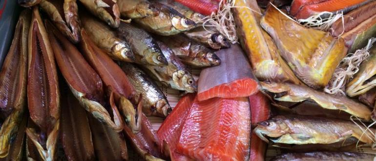 Очень много рыбы на прилавке