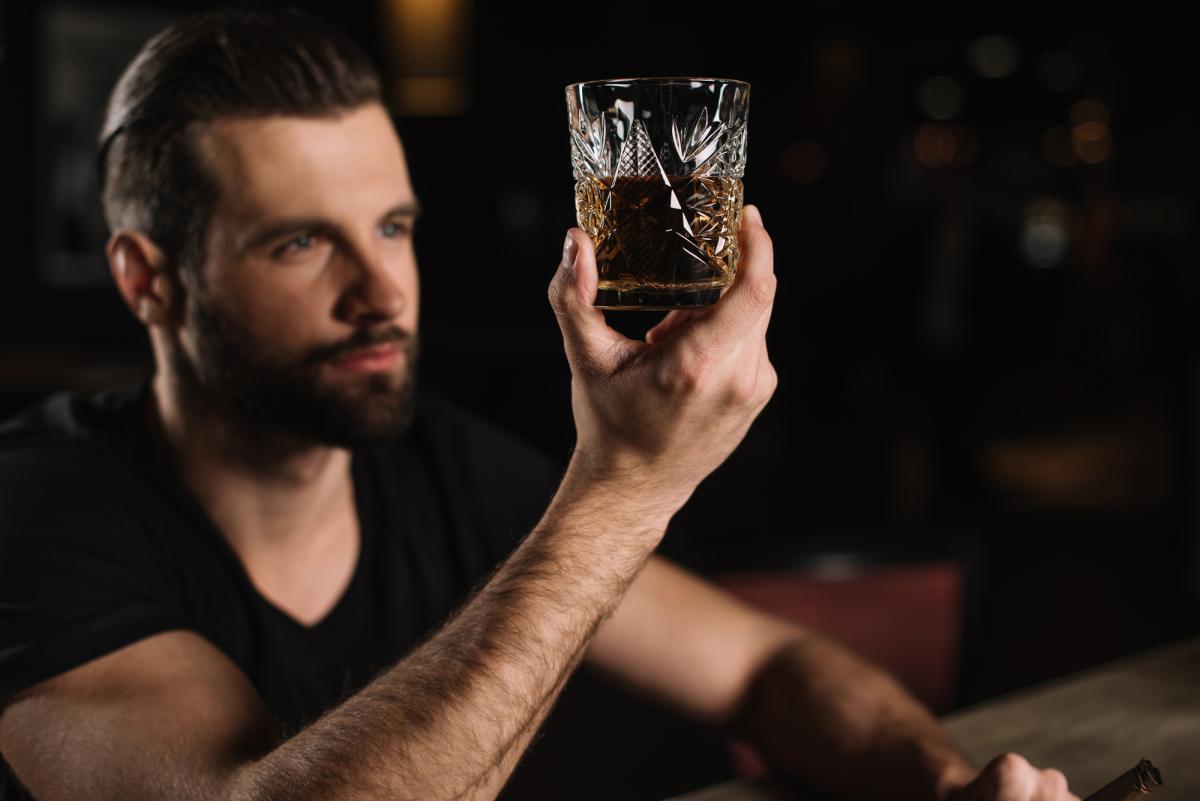 Почему человек быстро пьянеет от алкоголя: причины
