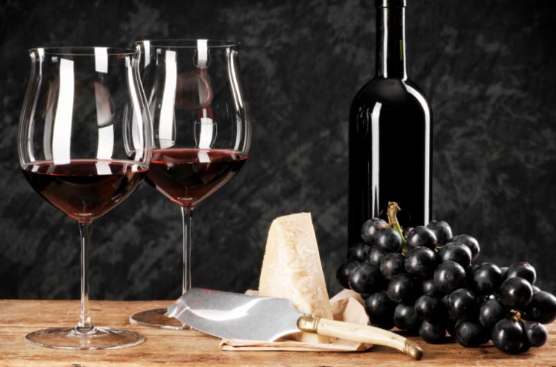 Сколько добавлять спирта в домашнее вино: закрепляем напитки правильно